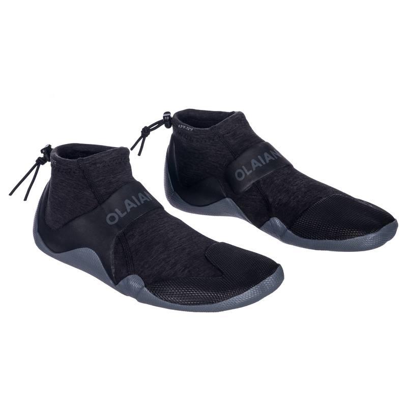 Zapatos acuáticos de caña baja Surf 500 Neopreno 2 mm Gris negro ... b824d2d2dbf